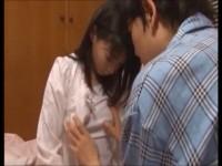 【アダルト動画】性に興味を持ち始めるアニイモウトが親に隠れてこっそり膣内内射精の練習www(無料)