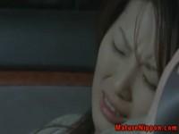 【アダルト動画】ヒトヅマがおじいさんにちんこをハメられまくって車の中で喘いじゃう。(無料)