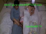 【アダルト動画】おチチさんが眠る隣でバレないようドすけべ関西弁母とムスコが相姦SEX(無料)