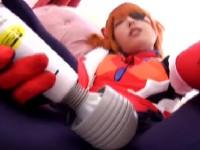 【アダルト動画】プラグスーツ姿で電動マッサージ機おなにーを自撮りするコスプレ小娘のフェラチオチオ(無料)