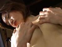 【アダルト動画】バキュームフェラチオでざーめんを飲み美巨乳を揉んでおなにーする人妻(無料)