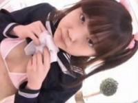 【アダルト動画】セイフク少女小娘がポップな部屋で1人ストリップやってますwwwwwwwww(無料)