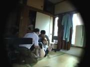【アダルト動画】親族のおじさん達が酔った勢いで姪の今時女子校生を別室に連れて輪姦(無料)