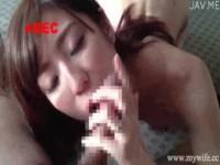 【アダルト動画】細身なヒトヅマがデカイちんこにムラムラして愛しそうにフェラチオチオ。(無料)