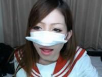 【アダルト動画】(らいぶちゃっと)制服コスプレでお乳晒す激かわシロウトGAL。(無料)