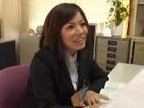 【アダルト動画】新入店員のお姉さんに自慰鑑賞させるせくはら上司(無料)