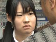 【アダルト動画】自殺に踏み切れなかった今時女子校生がチンピラ風の男にケンカを売っちゃう(無料)