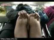 【アダルト動画】シロウトの今時女子校生達をBUSの中でチカンする(無料)