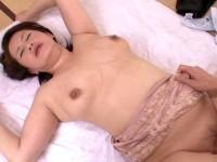 【アダルト動画】菅野美幸、美巨乳人妻がマッサージ中に秘密のサービス(無料)