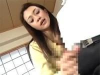 【アダルト動画】生徒達のオチンチンを密着変態手コキで搾り抜きするカテキョ(無料)