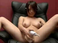 【アダルト動画】シロウト、Gカップロケット乳モデルがビデオBOXでおなにー☆(無料)