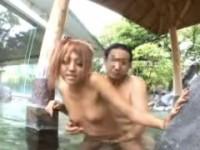 【アダルト動画】混浴りょこうにやって来た黒GALが「まじやばい」連呼wwwテンション上がって露天風呂で青姦SEXwww水澤りの(無料)
