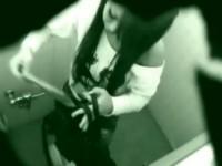 【アダルト動画】(小便隠盗ムービー)渋谷109のスタッフ専用トイレに隠しカメラ…カワイいGAL店員の放尿姿を隠し撮りwwwwww(無料)