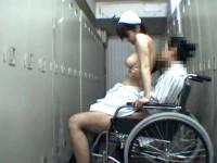 【アダルト動画】( 秘密撮影ムービー )病院ロッカールームで男性患者とSEXする美巨乳ナアスをガオチンチン秘密撮影映像☆☆☆(無料)