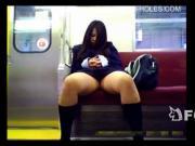 【アダルト動画】今時女子校生,秘密撮影 列車内のトライアングル(無料)