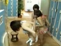 【アダルト動画】(脱衣所隠撮ムービー)男女混浴のスーパー銭湯に仕掛けた隠しカメラ…シロウト女子のミズ着着替えを隠し撮りwwwwww(無料)