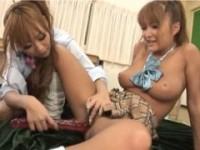 【アダルト動画】(レズビアン)セイフクGALが放課後の教室でイチャイチャしながらざーめんもごっくんwww(無料)