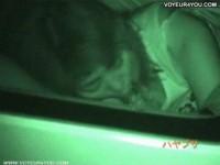 【アダルト動画】シロウトカップルが真っ暗な車内で絡み合うカーSEXの様子をバッチリ赤外線カメラで秘密撮影に成功☆(無料)