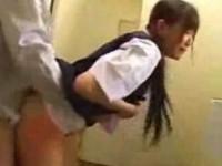 【アダルト動画】(女子JC強姦少女ムービー)無毛のセイフク今時女子校生がトイレで変態教師に殴られ乱暴に犯されまくる☆☆(無料)