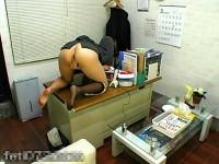 【アダルト動画】( 秘密撮影ムービー )エリート女上司が社内でひとり白濁マン汁垂れ流す☆☆居残りおなにーをガオチンチン秘密撮影wwwwwwwwwwwwwww(無料)