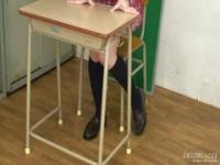 【アダルト動画】(フェチ)痴ジョ今時女子校生が教室で小便を放尿するフェチな(無料)
