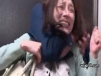 【アダルト動画】(強姦)美人妻が縛りされ汚らしい連中に凌辱される(無料)