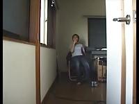 【アダルト動画】(フェチ)カメラに尻を向けておならをブチかます屁こきヒトヅマwww(無料)