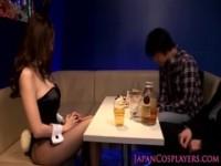 【アダルト動画】(フェチ)むっちりガールバニーガール姿になって男性客をパイズリ☆でイカせちゃう♡JULIA(無料)