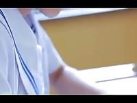 【アダルト動画】(フェチ)今時女子校生橋本優のスカートだけ脱いだポーズがえろい(無料)