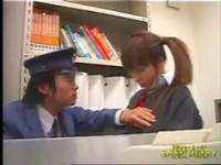【アダルト動画】(強姦)違反行為をした今時女子校生を捕まえ誰にも言わないと約束し今時女子校生の体を楽しむクズ駅員(無料)