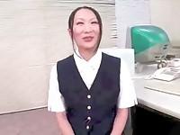 【アダルト動画】(フェチ)22才の母乳乳首ブラなしの母乳えろお姉さんさんの美巨乳を搾るとキモチ良いそうです(無料)