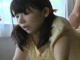 【アダルト動画】寝BACKで嵌められちゃう無毛のカワイらしい女の子(無料)