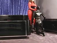 【アダルト動画】(フェチ)ロケット乳の外国人女がラバースーツを着てレズビアン生Hするラテックスフェチ必見のえろだぉ(無料)