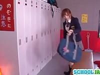 【アダルト動画】(フェチ)美巨乳美今時女子校生が部室でピンクローターを使って乳首やクリ責めおなにーするフェチ(無料)
