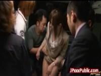 【アダルト動画】(強姦)スーツモデルがBUS内の男たちに触られ集団強姦w(無料)