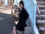 【アダルト動画】歩道橋の真ん中で先生をノーパンで挑発する今時女子校生が痴ジョすぎるwww(無料)