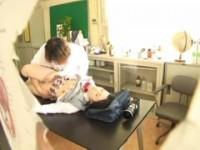 【アダルト動画】(強姦)薬品を嗅がせ昏睡させた小さい乳のセイフク美今時女子校生にナカ出し強姦する男(無料)