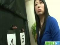 【アダルト動画】(強姦)ダンナのチ○ポ当てに失敗したヒトヅマが襲われる(無料)