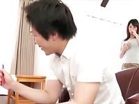 【アダルト動画】(フェチ)母乳の出る欲求不満のロケット乳ヒトヅマがカテキョに乳首を吸われて母乳を溢れさして感じまくる(無料)