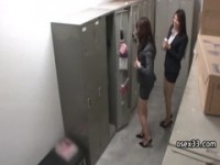 【エッチ動画】 【アダルト動画】《フェチ》スーツ女性正社員が純白おぱんちゅのむっちりおヒップを揺すりながらストッキングを履き替える