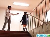 【無料エロ動画】 【アダルト動画】《サドマゾしつけ》黒美髪のロリータの美ガール学生が口の中にチ○ポを突っ込まれて頭を掴まれてフェラをされてしつけご奉仕