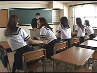 【エロ動画】 【アダルト動画】《襲う》こんなキャワワ学生達に逆襲うされるとか羨まし過ぎ教師冥利につきるよな。