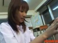 【エロ動画】 【アダルト動画】《無理やり犯す》アバズレプレイガールすぎる女生徒が先生相手に放尿プレイからのペニバン責めを敢行