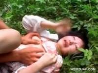 【エロ動画】 【アダルト動画】《無理やり犯す》拉致された女子高生が山奥で犯された本物無理やり犯す映像真剣観覧注意