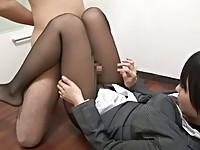 【有村千佳】 【アダルト動画】《フェチ》有村千佳黒ストッキングきれいな脚の太ももやふくらはぎで徹底足コキ