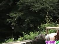 【エロ動画】 【アダルト動画】《襲う》軍隊に所属するデカ乳美女が敵に捕まり素っ裸で牢屋に緊縛され拷問襲うを受ける