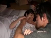 【アダルト動画】 【アダルト動画】【レイプ】ナンパしたFカップ巨乳ギャルを睡眠薬で眠らせて睡姦レイプ起きてしまったので口を押えて続行パイ舐め&クンニ