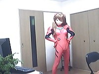 【H動画】 【アダルト動画】《フェチ》エヴァンゲリオンの着ぐるみコスチュームプレイを着て登場するフェチな女子?