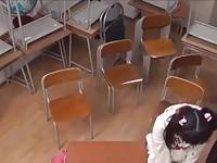【無料エロ動画】 【アダルト動画】《エスエムしつけ》幼女美ガールのとぅるとぅるまんことお尻の穴を弄ぶ変質者教師
