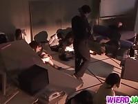 【エッチ動画】 【アダルト動画】《無理やり犯す》銀行員として働くデカ乳BBAは銀行強盗に突如犯されちゃう